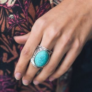 Round Floral engraved turquoise fashion ring